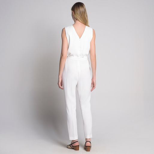 Macacao-Pregas-Decote-Off-White---40